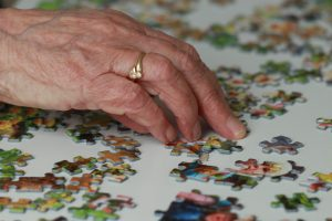 How to solve jigsaw puzzles